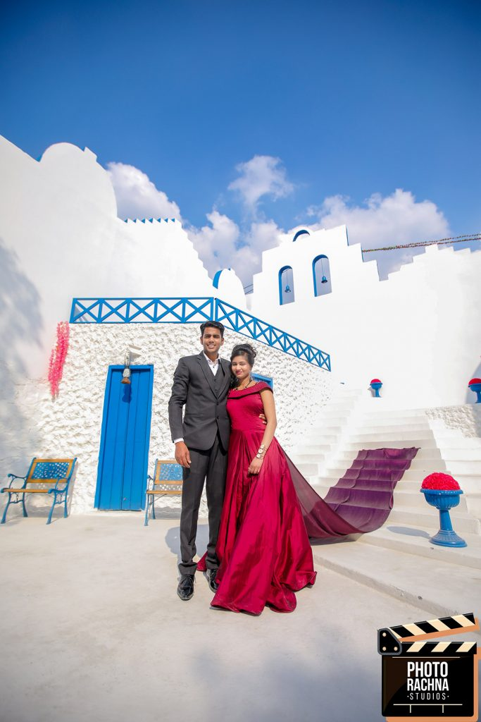 Prewedding photoshoot santorini studio